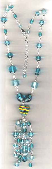 2004 fashion necklace trend wholesale manufacturers online presenting blue beaded fashion necklace with heart link blue beaded pendant dangle. Every femal on Earth can not resist this shiny beauty!